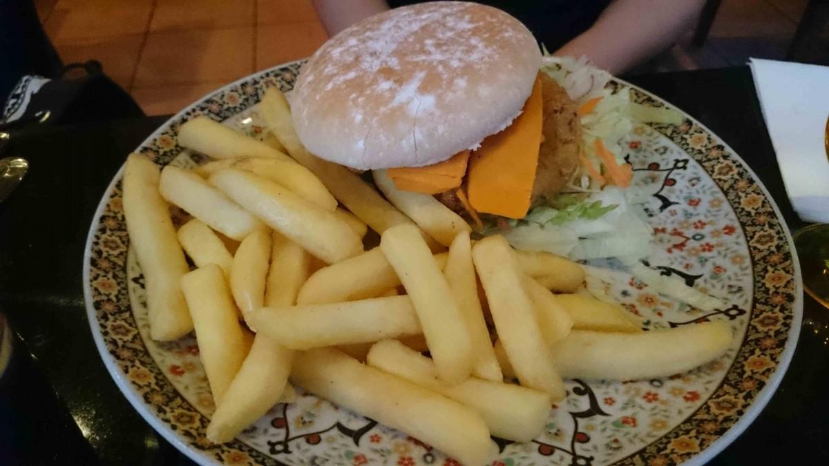 Oranaise vegan quinoa burger